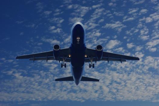 aircraft-1327820_1920